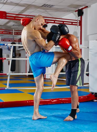 How Muay Thai & Dutch Kickboxing Toughens You Up | Clinch
